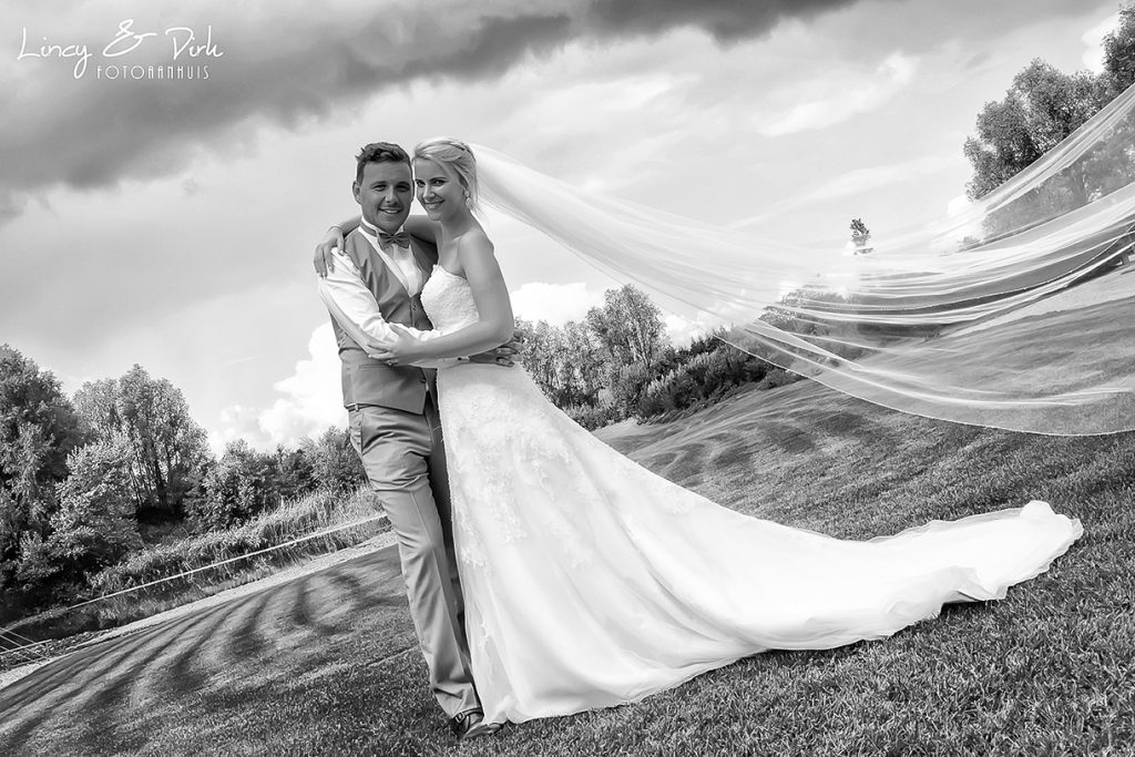 Romantische huwelijksreportage in Oost-Vlaanderen op een unieke locatie