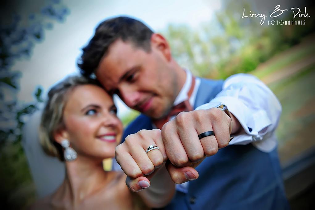 Romantische huwelijksreportage in Oost-Vlaanderen op een unieke locatie op zoek naar een betaalbare huwelijksfotograaf
