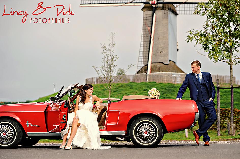 originele huwelijksreportage te Kortrijk - Harelbeke in unieke Oldtimer cabrio
