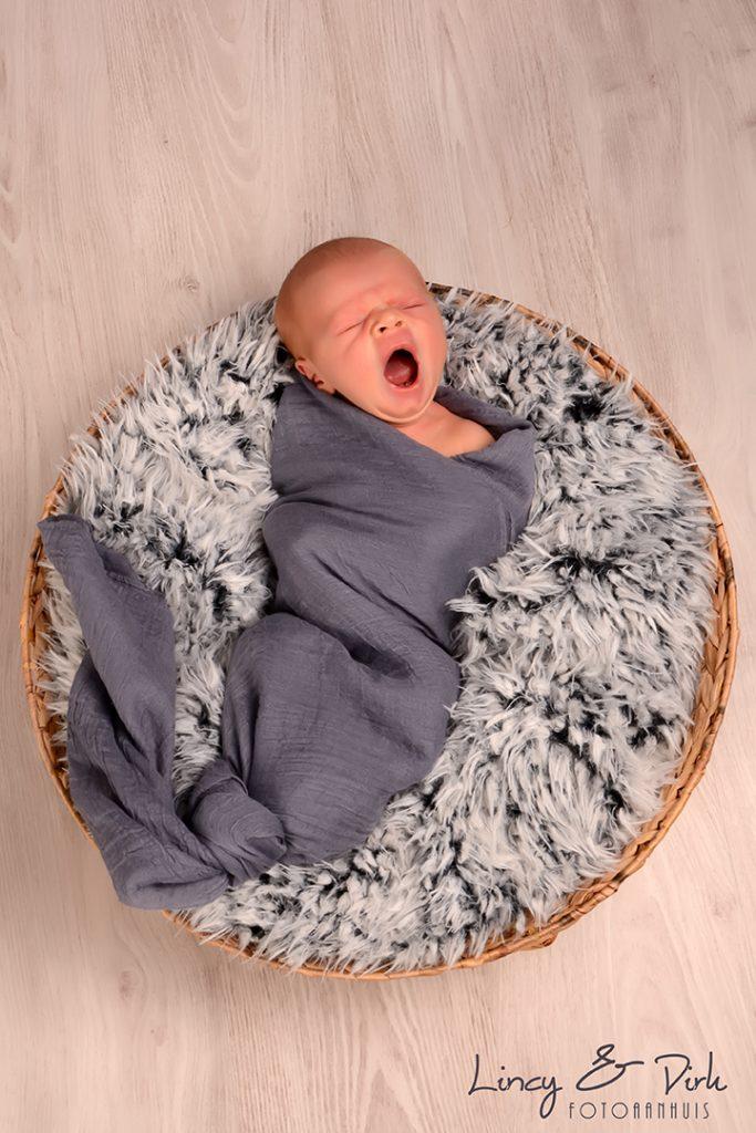 Newborn babyfotoshoot Tielt - Meulebeke