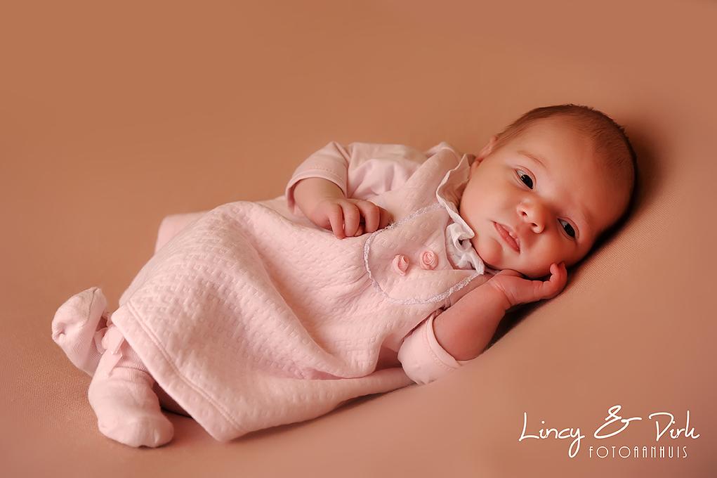 Newborn fotoshoot baby Waregem