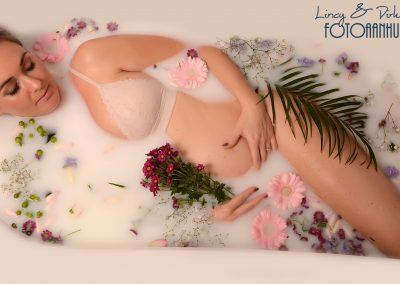 zwangerschapsfotografie originele foto's in melkbad