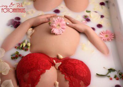 belly Zwanger originele foto's in melkbad
